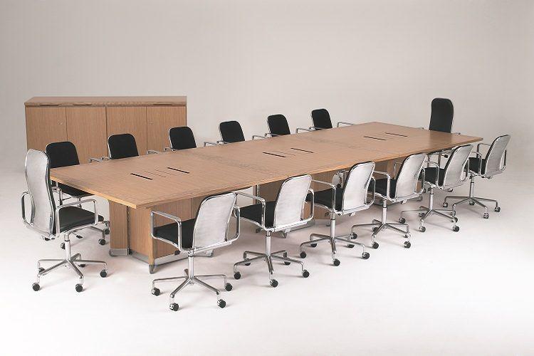 میز و صندلی مناسب سیستم کنفرانس